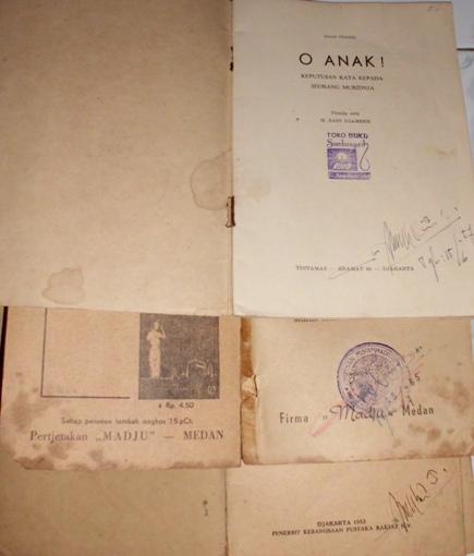 Buku-buku souvenir dari M. Natsir. (Foto kolpri)