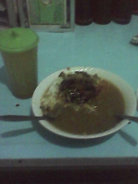 Soto daging Cak Ipul. (Foto koleksi pribadi)