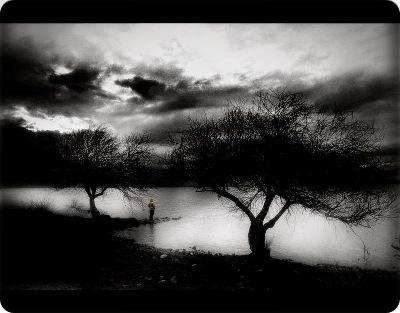 Sumber: http://arzuhan.deviantart.com/art/Darkness-100010629