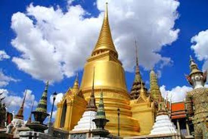 Kuil Wat Arun, ikon Muangthai di Bangkok. (Foto ragamtempatwisata.com)