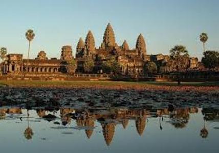 Angkor Wat, ikon Kamboja di Angkor-Siem Reap. (Foto bestourism.com)