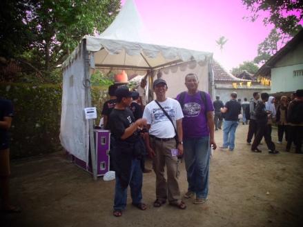 Bersama sahabat blogger traveler di Ngajojazzkarta, Jogja. (dok. pribadi)