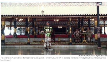 Ngarsa Dalem menyampaikan Sabdatama di Bangsal Kencana Keraton Ngayogyakarta (6/3).