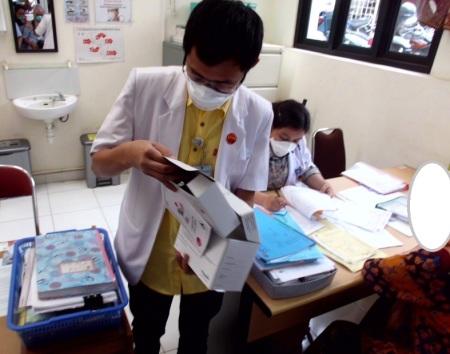 Berobat dan konsultasi rutin menjadi salah satu kunci kesembuhan pasien TB. (dok. pribadi)