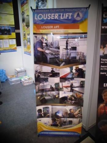 Penampakan stand flyer Louser Lift di booth pamer PT. Louserindo. (dok pribadi)