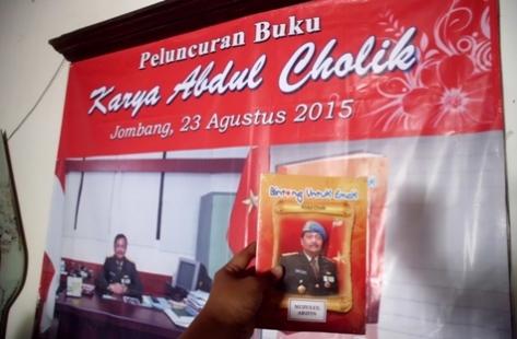"""Buku """"Bintang Untuk Emak"""" Karya Pakde Cholik. (dok pribadi)"""