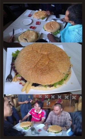 Penampakan 'Goliath Burger' dan para pemakannya. (dok. pribadi)
