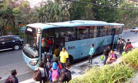 Bersiap menuju Taman Dayu Pandaan, venue #bloggercamid 2015 Surabaya.